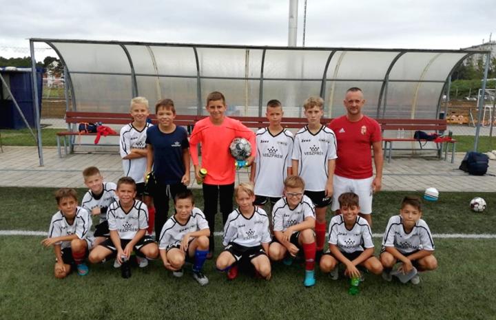 Edzőmérkőzéseket játszott az U12