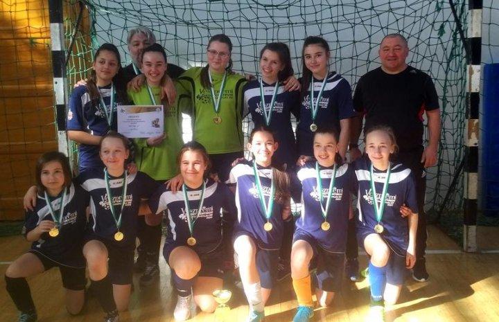 Ismét aranyérmes a VFC USE lány U14 – es korosztálya, a megyei futsal bajnokságban!