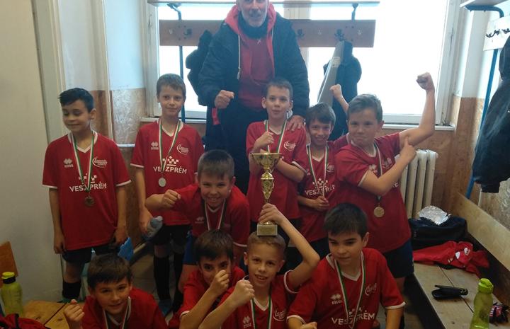Futsal bajnok az U11!