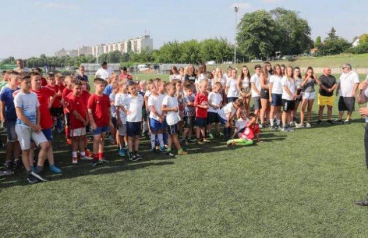 Mozgalmas évadot fejeztek be a Veszprémi Foci Centrum játékosai